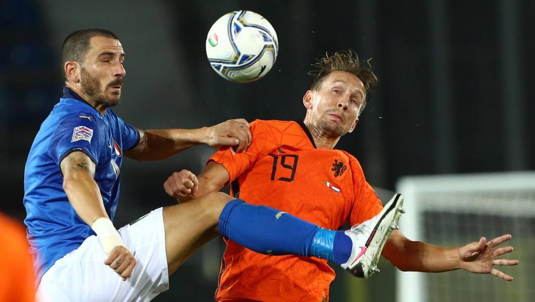 Bonucci e De Jong durante Italia-Olanda. Getty Images