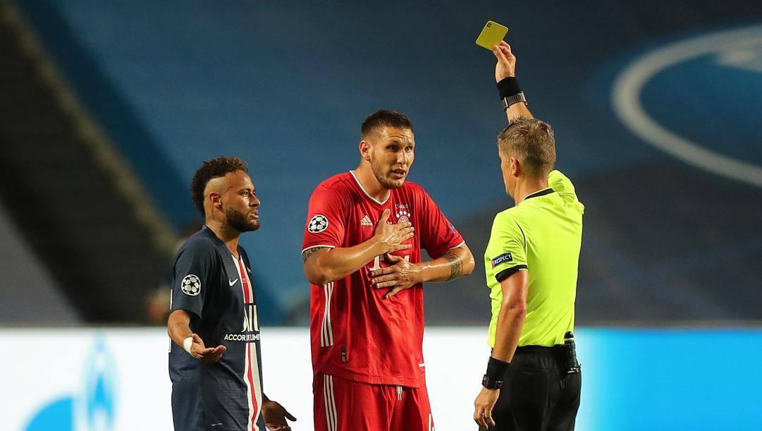Daniele Orsato durante l'ultima finale di Champions League tra Psg e Bayern