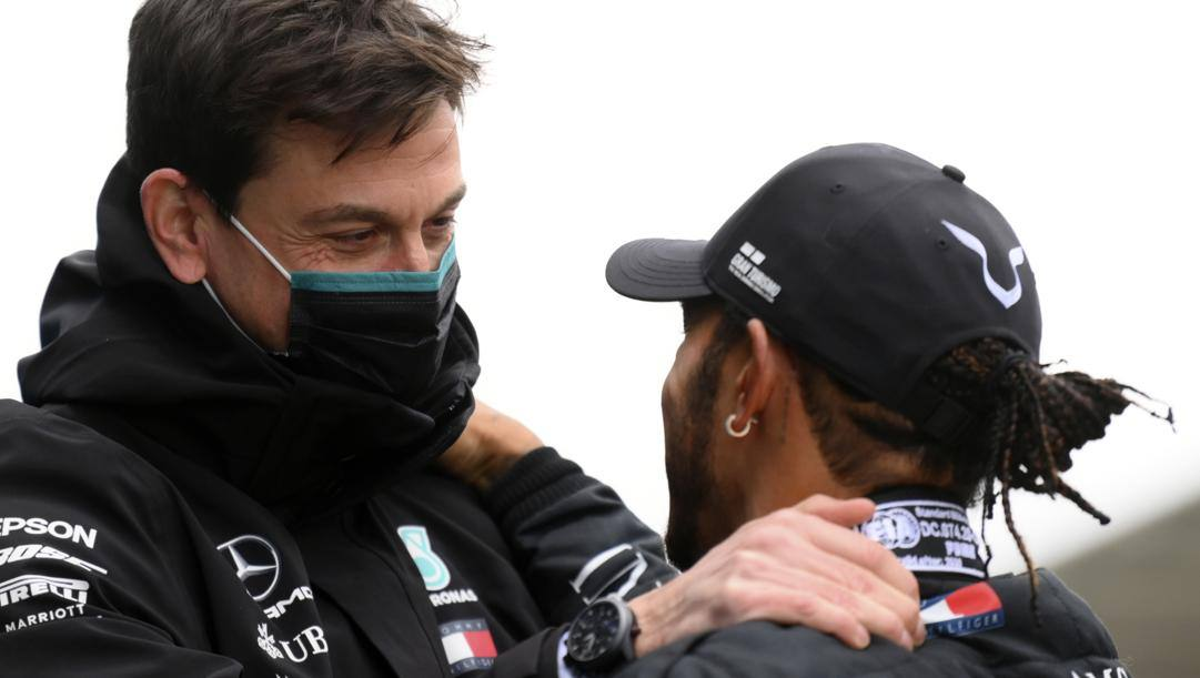 Toto Wolff e Lewis Hamilton. Lapresse