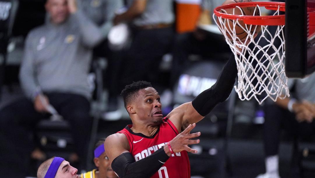 Russell Westbrook, 32 anni, in azione con la maglia dei Rockets. Lapresse