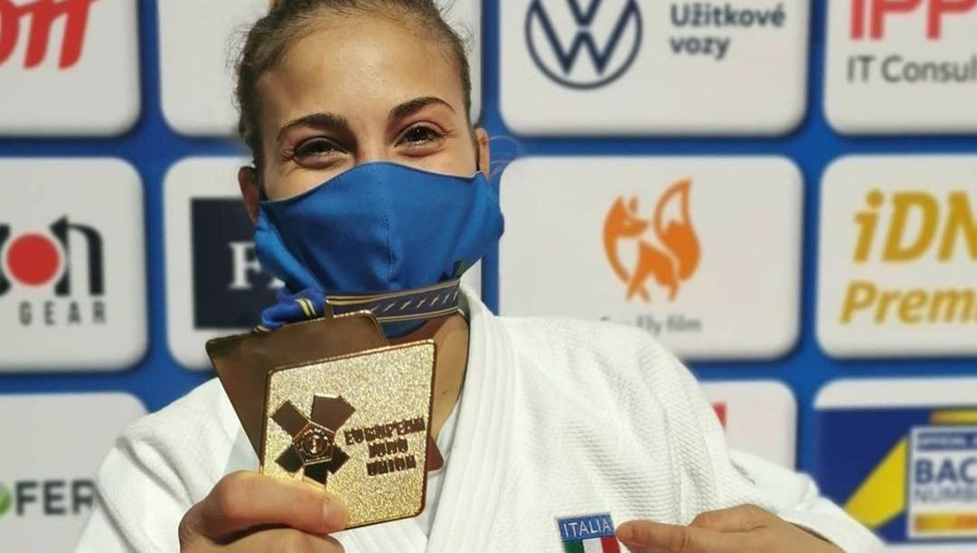 Odette Giuffrida, 26 anni, con la medaglia d'oro