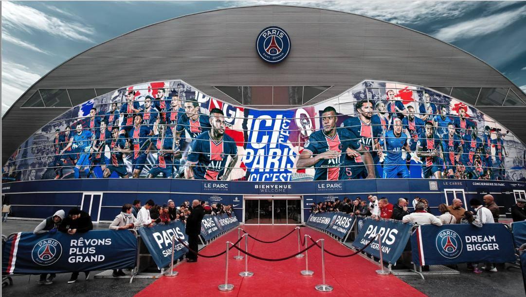 L'ingresso del Parco dei Prinicipi: il look verrà scelto dai tifosi con la app Esocios