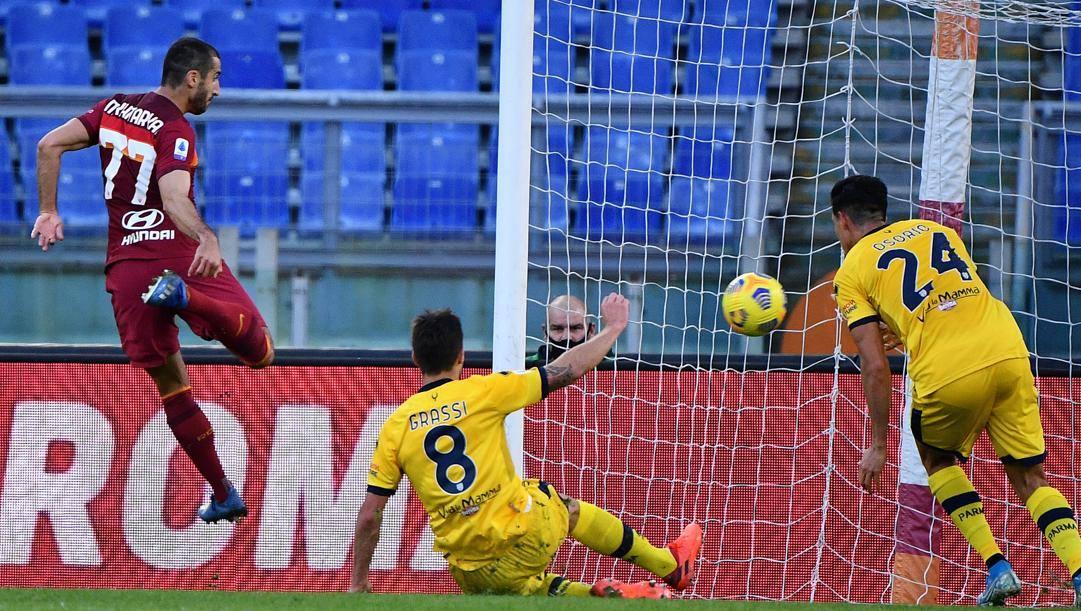 Mkhitaryan, due gol ieri contro il Parma. Lapresse