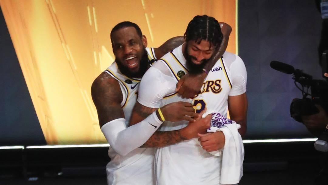 LeBron James, 35 anni, e Anthony Davis, 27: erano e restano le colonne portanti dei Lakers. Afp