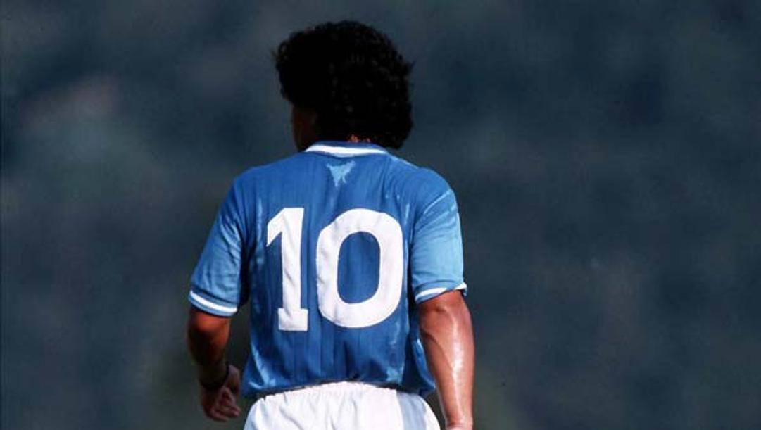 Maradona con la numero 10