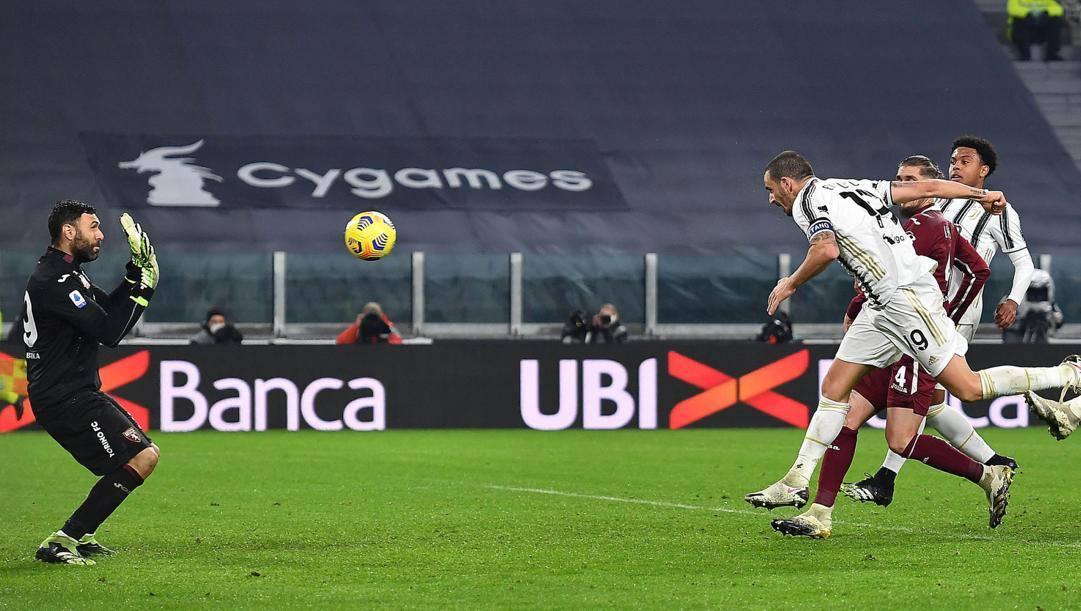 Il gol di Bonucci, 33, al Torino. Ansa