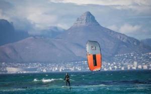 Kiteboard E Windsurf Con I Foil Ecco Perche Le Tavole Volanti Sono Amate Dai Rider La Gazzetta Dello Sport