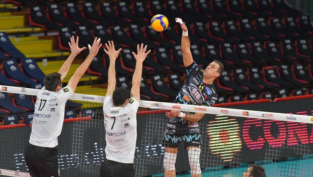Una fase di Perugia-Verona. Benda/Sir Volley