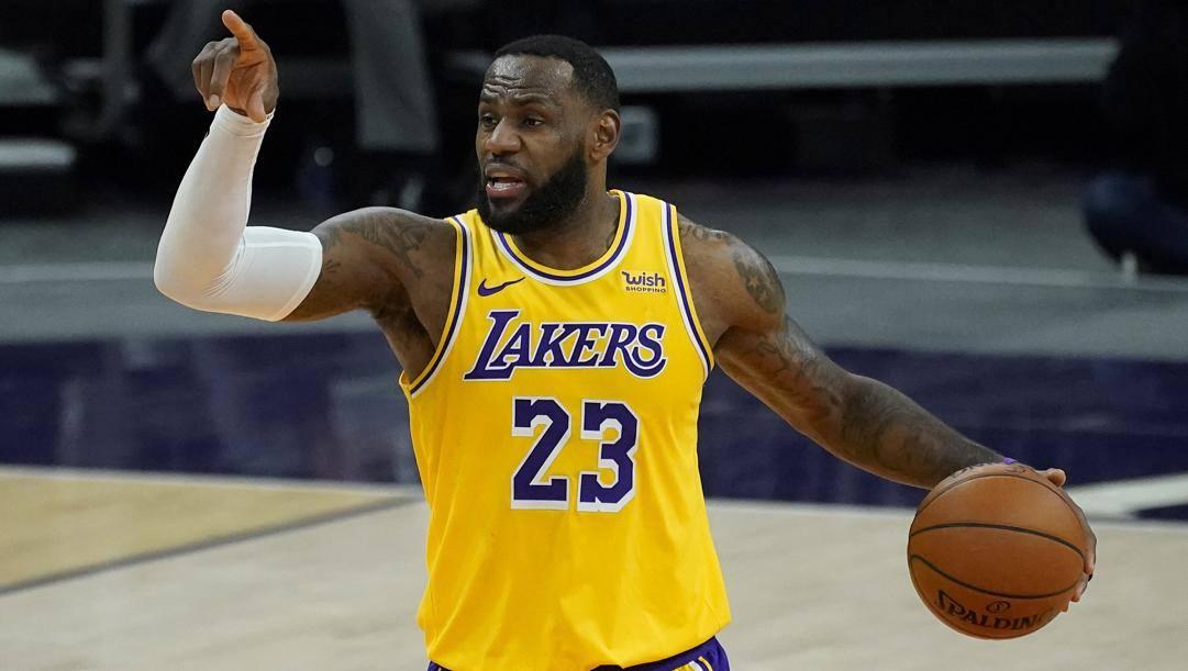 LeBron James, 35 anni, comincia la 18a stagione Nba coi suoi Lakers favoriti per il titolo. Ap