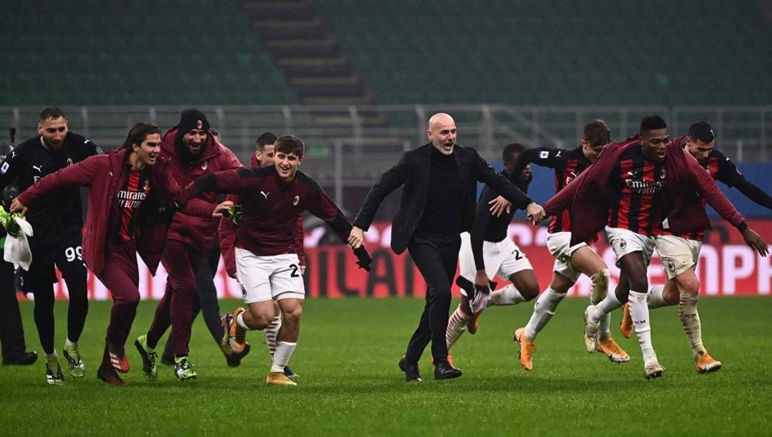 La festa del Milan dopo il successo con la Lazio. Afp