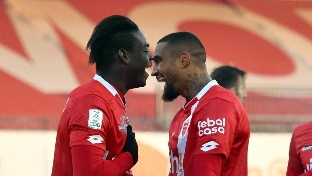 Mario Balotelli e Kevin-Prince Boateng. Ansa