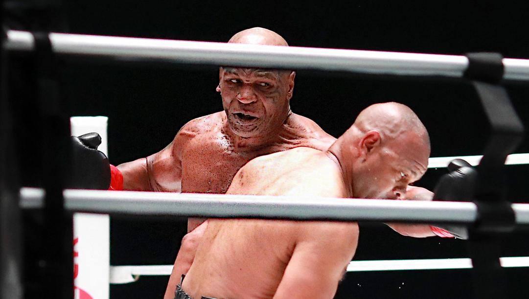 Mike Tyson contro Roy Jones Jr. Epa