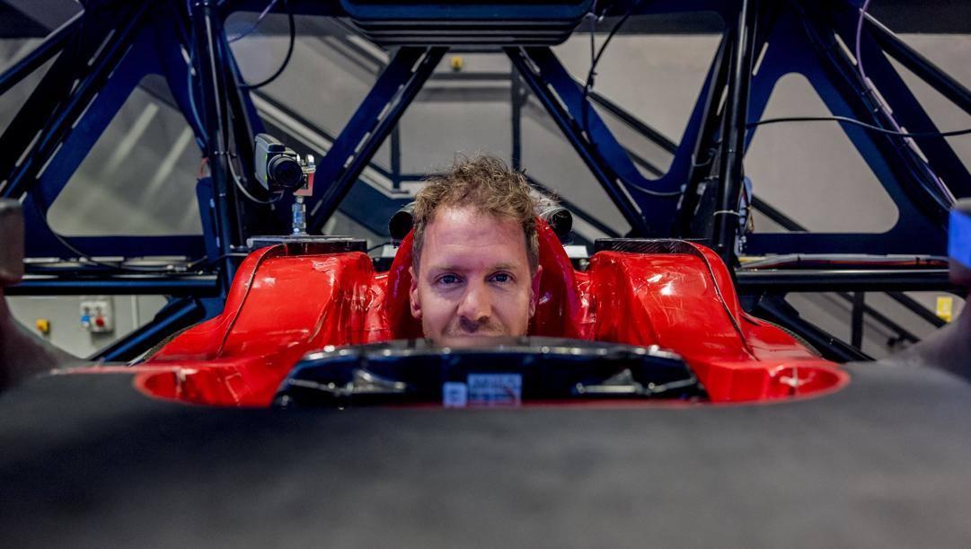 Sebastian Vettel al simulatore