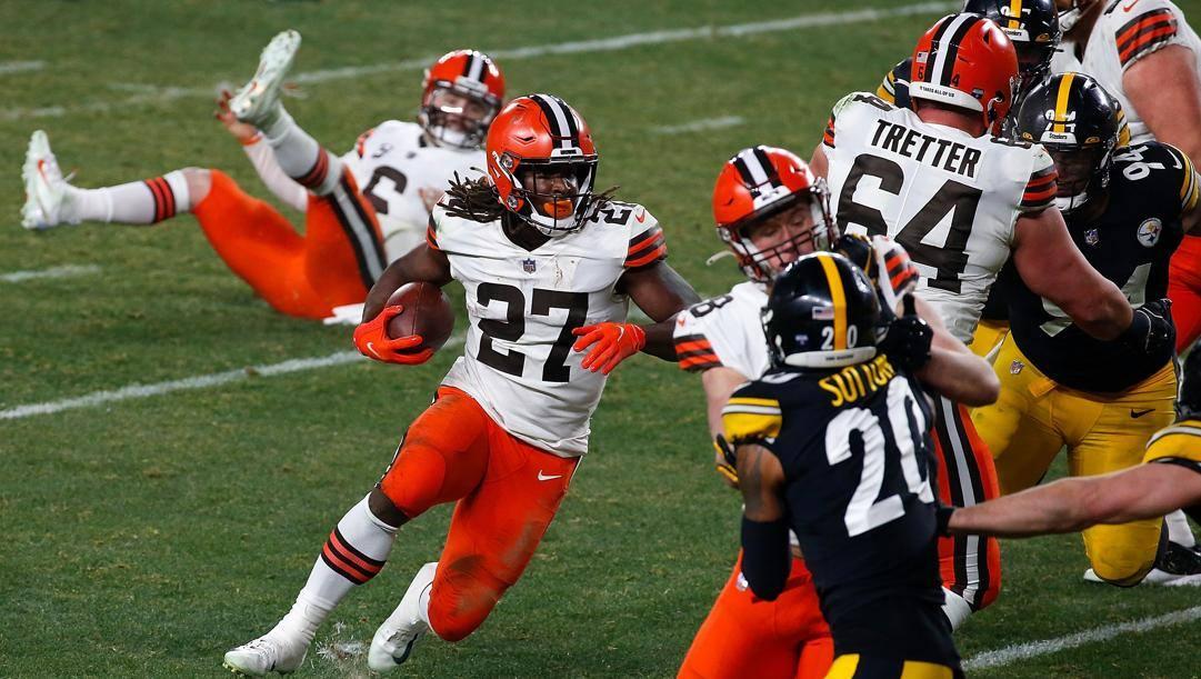 Kareem Hunt, due touchdown per i Browns AFP