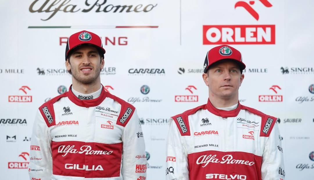 Antonio Giovinazzi (a sin.) e Kimi Raikkonen EPA