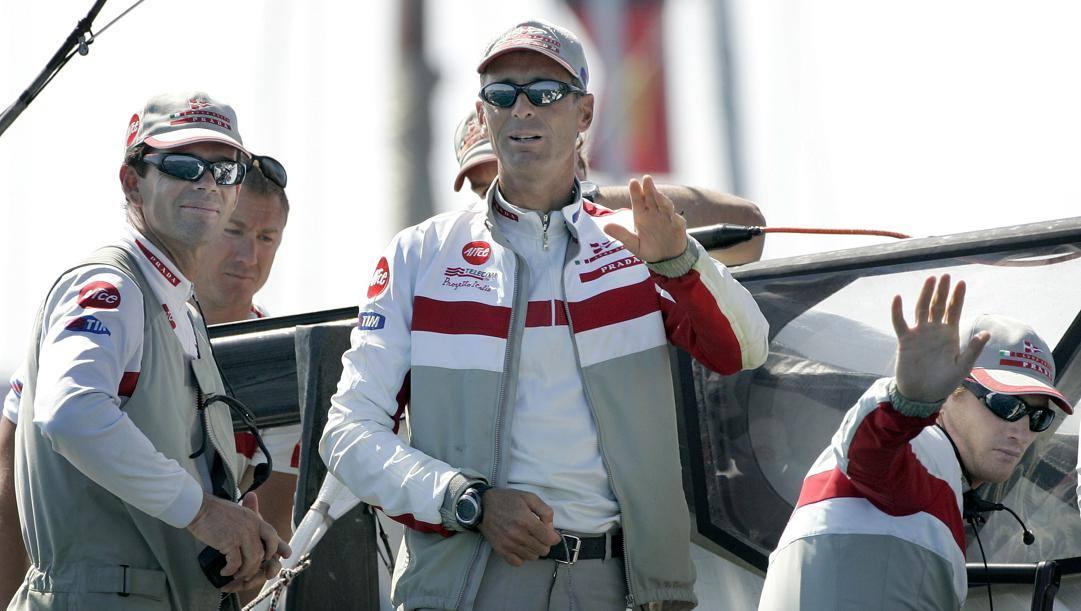 Francesco De Angelis, al centro, skipper di Luna Rossa dal 1997 al 2007. Ap