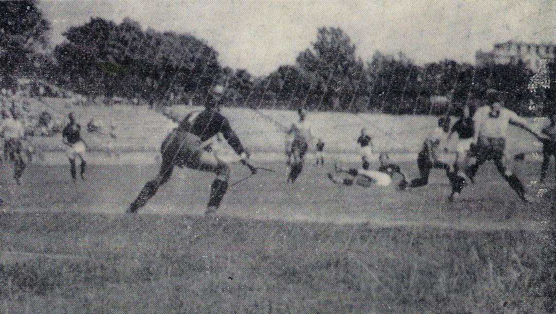 Un'immagine della mitica sfida dell'Arena di Milano tra La Spezia e Torino del 1944