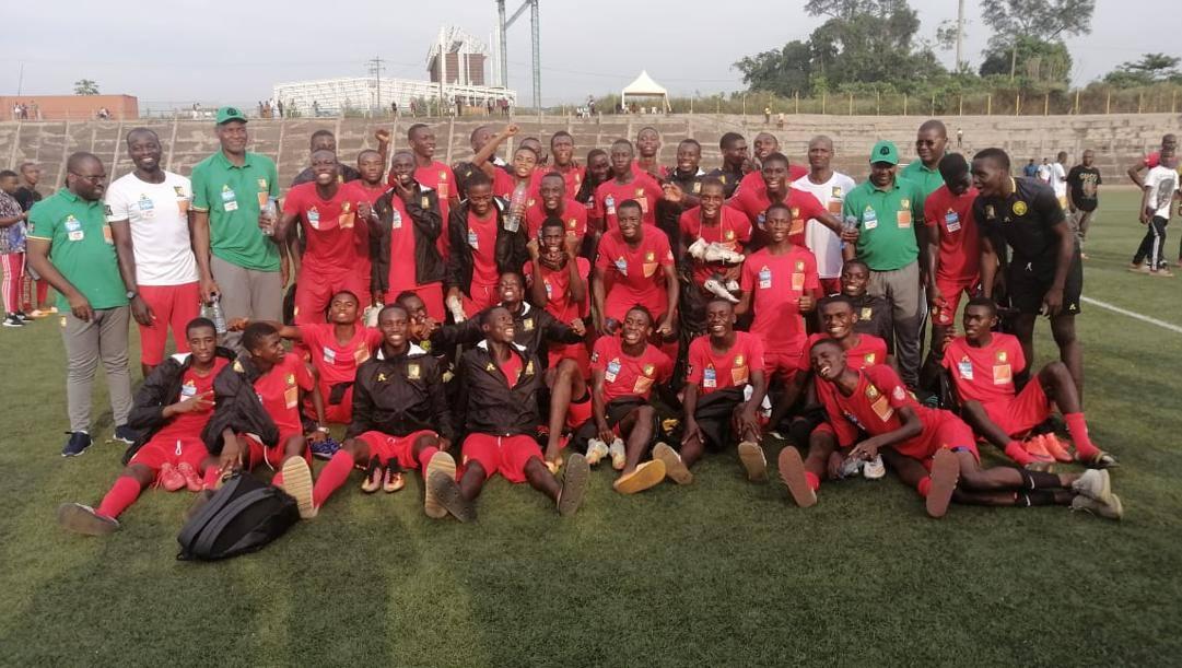 I padroni di casa del Camerun dopo l'ultimo allenamento prima del match di oggi con lo Zimbabwe
