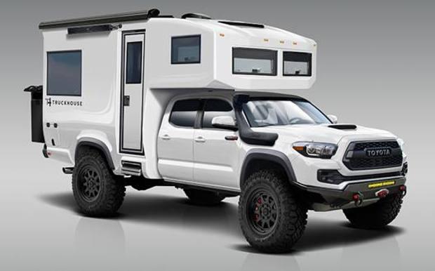 Toyota TruckHouse Bct, un po' pick-up e un po' camper: info e prezzo