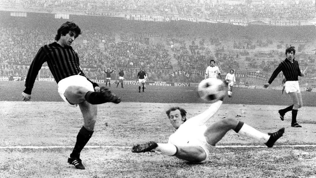Gianni Rivera in una partita contro il Varese (RCS)