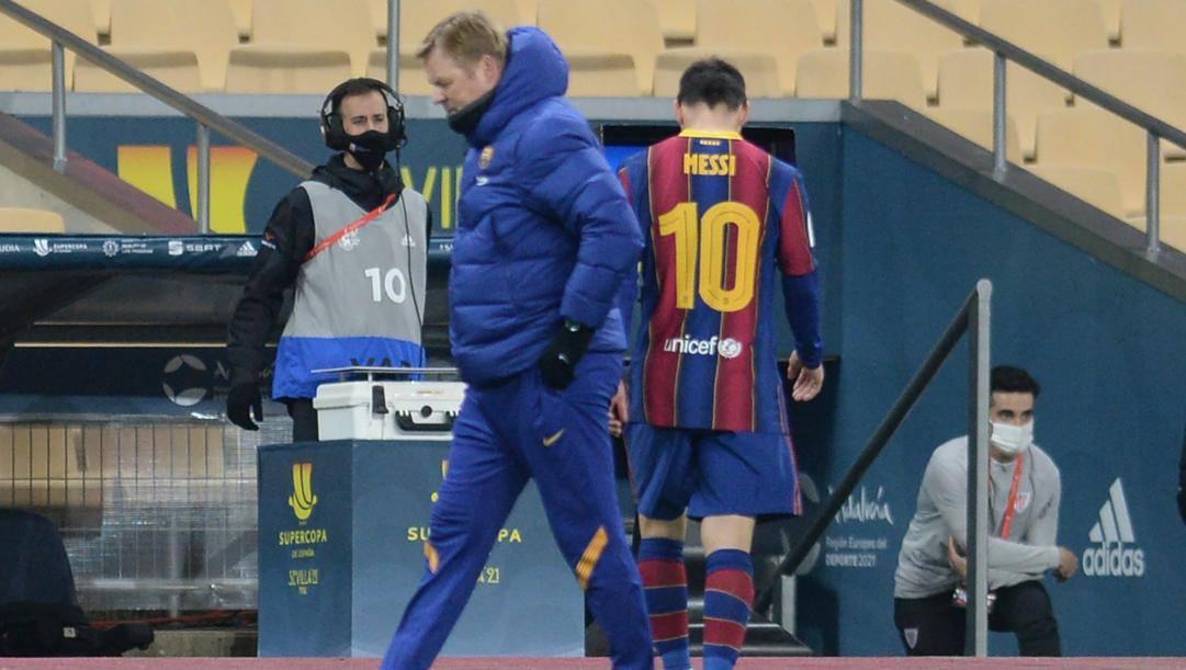Leo Messi, stella del Barcellona, esce a testa bassa.Afp