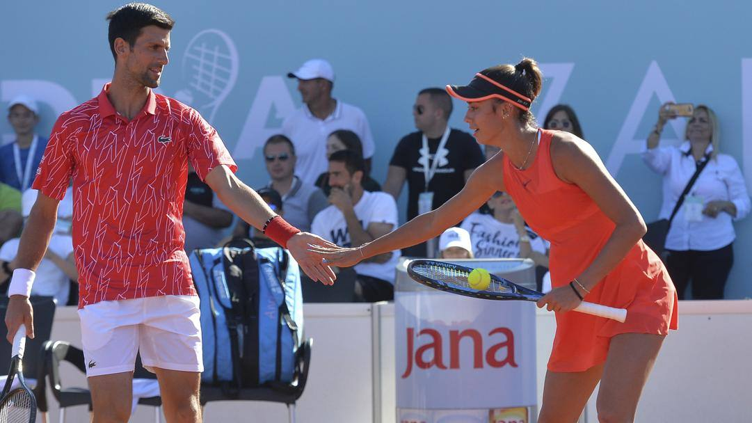 Novak Djokovic in doppio con Olga Danilovic