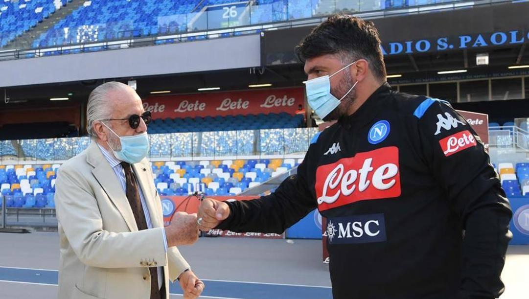Saluto tra Aurelio De Laurentiis e Rino Gattuso. Lapresse
