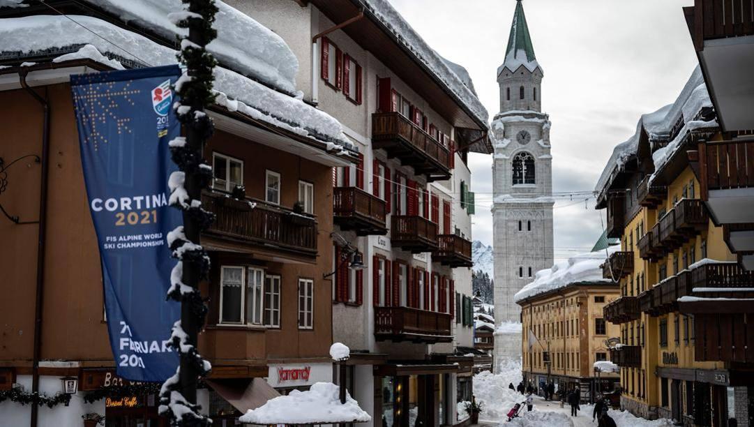 Il centro di Cortina si prepara per i Mondiali. Afp