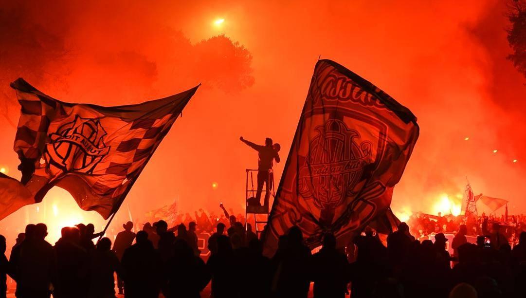 La contestazione violenta dei tifosi del Marsiglia. Afp