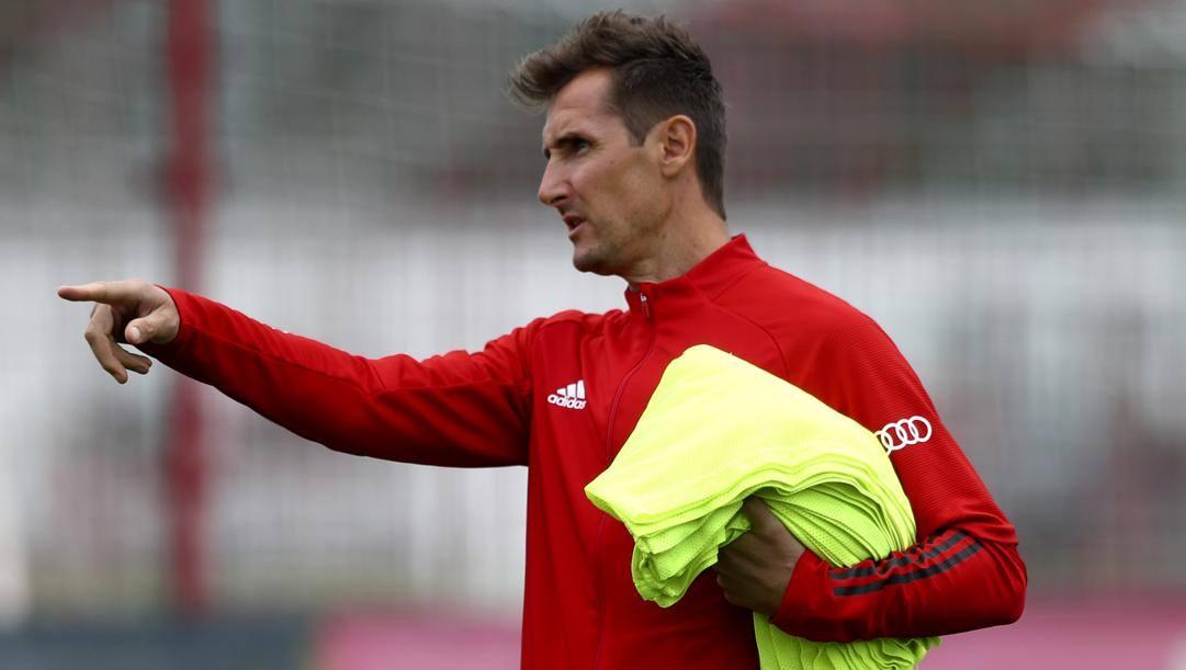 Miroslav Klose, ex giocatore di Pioli alla Lazio e ora vice allenatore al Bayern (LaPresse)