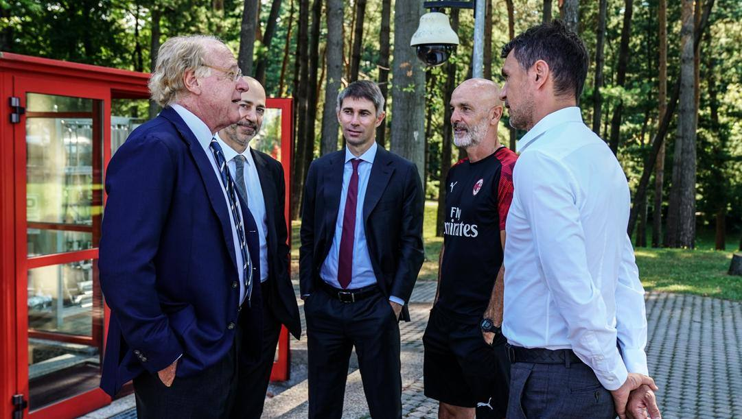 Da sinistra il presidente rossonero Scaroni, l'a.d. Gazidis, il d.s. Massara, il tecnico Pioli e il d.t. Maldini LAPRESSE