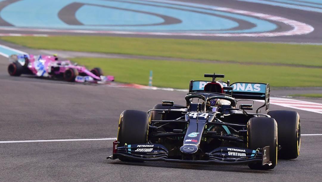 La vettura di Lewis Hamilton nell'ultimo GP di Abu Dhabi (AP)