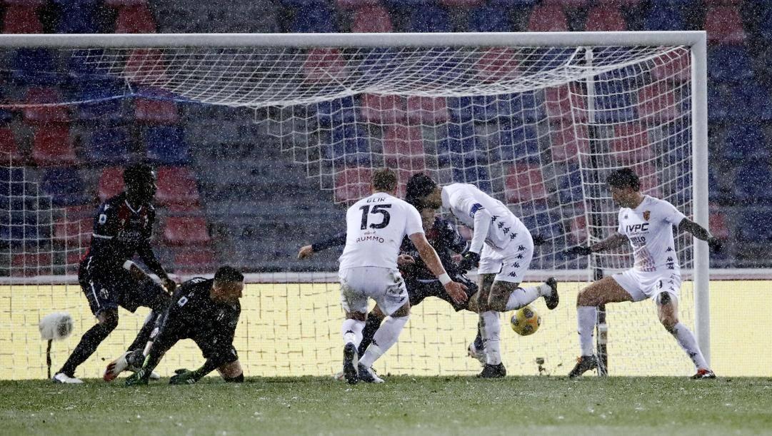 Il gol di Nicolas Viola, 31 anni. Ansa