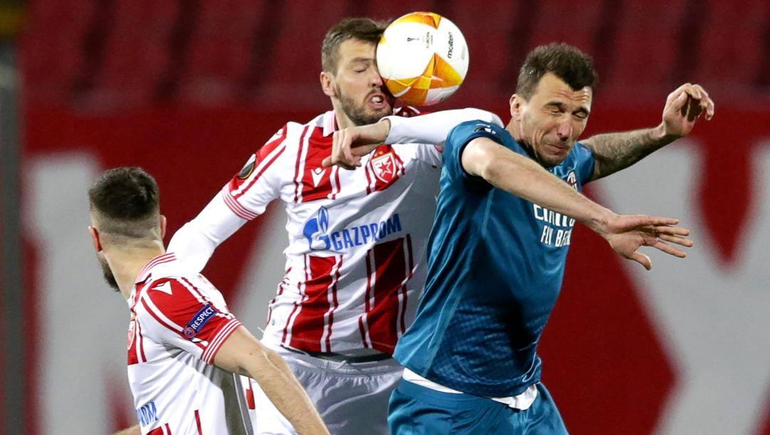 Serata difficile per Mario Mandzukic a Belgrado. Epa