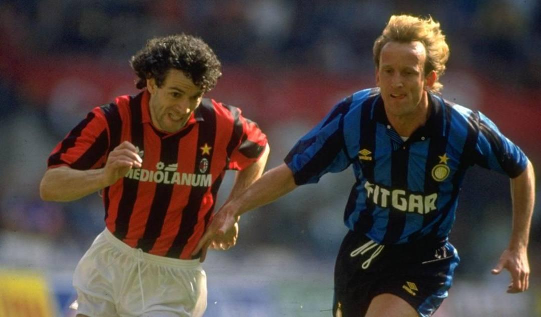 Brehme contro Donadoni in un derby del '92. Getty