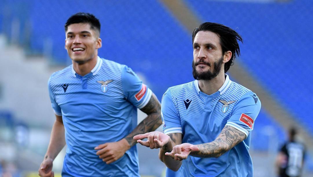 Correa e Luis Alberto festeggiano il gol del vantaggio Getty