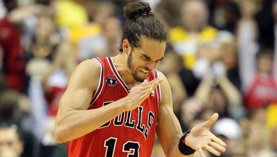 Joakim Noah chiude la carriera a 36 anni: le stagioni migliori le ha vissute coi Bulls. Ap