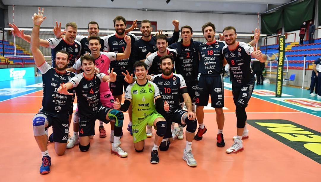 I giocatori di Bergamo in un match di campionato al PalaPozzoli di Cisano Bergamasco