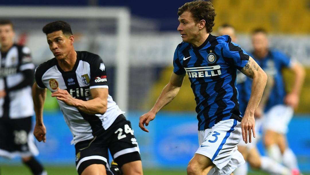 Nicolò Barella in azione a Parma. Getty