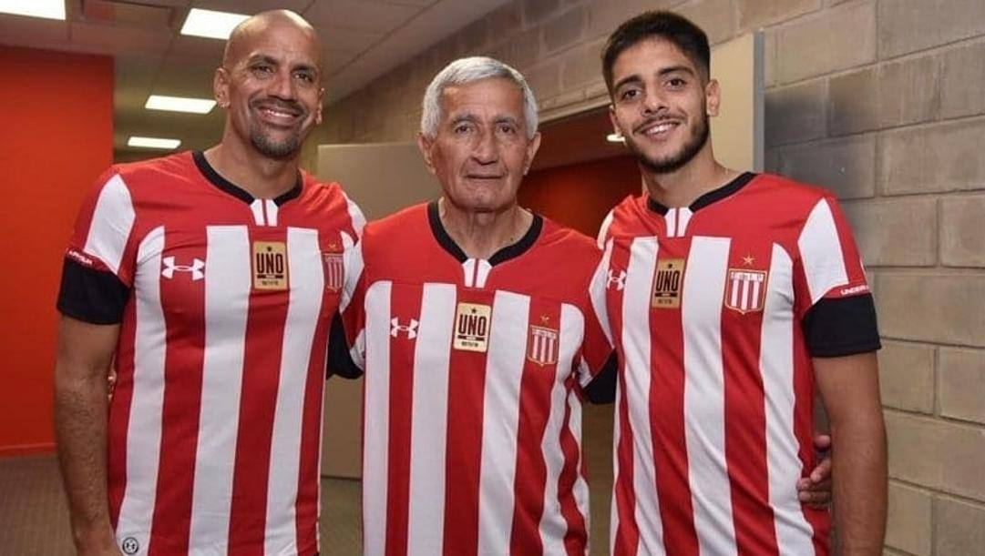 Da sinistra a destra Juan Sebastian Veron, Juan Ramon Veron, Deian Veron
