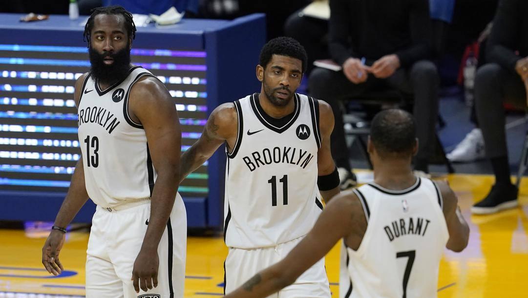 James Harden, Kyrie Irving e Kevin Durant, il trio delle meraviglie di Brooklyn. Ap
