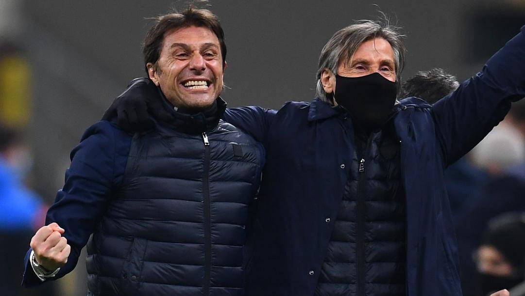 Antonio Conte esulta con Lele Oriali. Getty