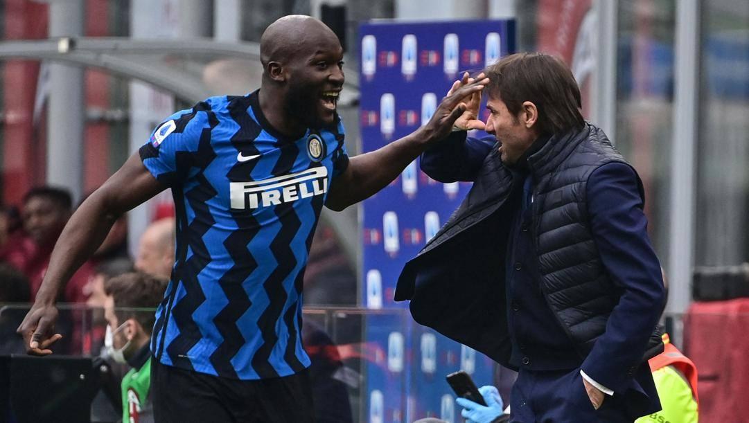 Romelu Lukaku (27 anni) e Antonio Conte (51): per entrambi è la seconda stagione in nerazzurro. AFP