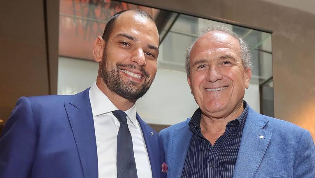 Il nuovo presidente del Coni Lombardia Marco Riva e il suo predecessore Oreste Perri