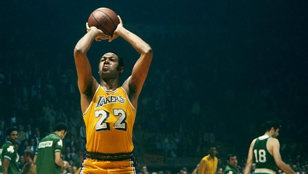 Elgin Baylor ha giocato per 14 stagioni con i Lakers, anche prima del loro trasferimento a Los Angeles nel 1960