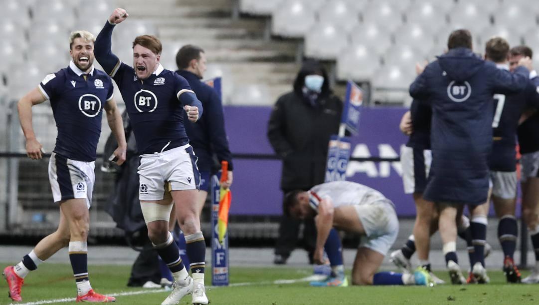 La gioia scozzese, la disperazione francese. Epa