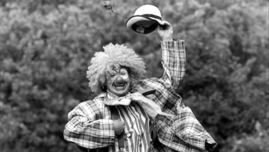 Paul Gascoigne travestito da clown