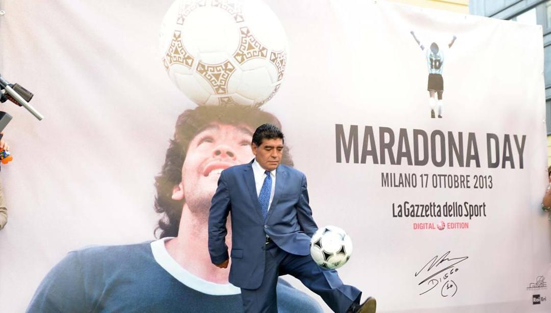 Diego Armando Maradona in Gazzetta nel 2013. Bozzani