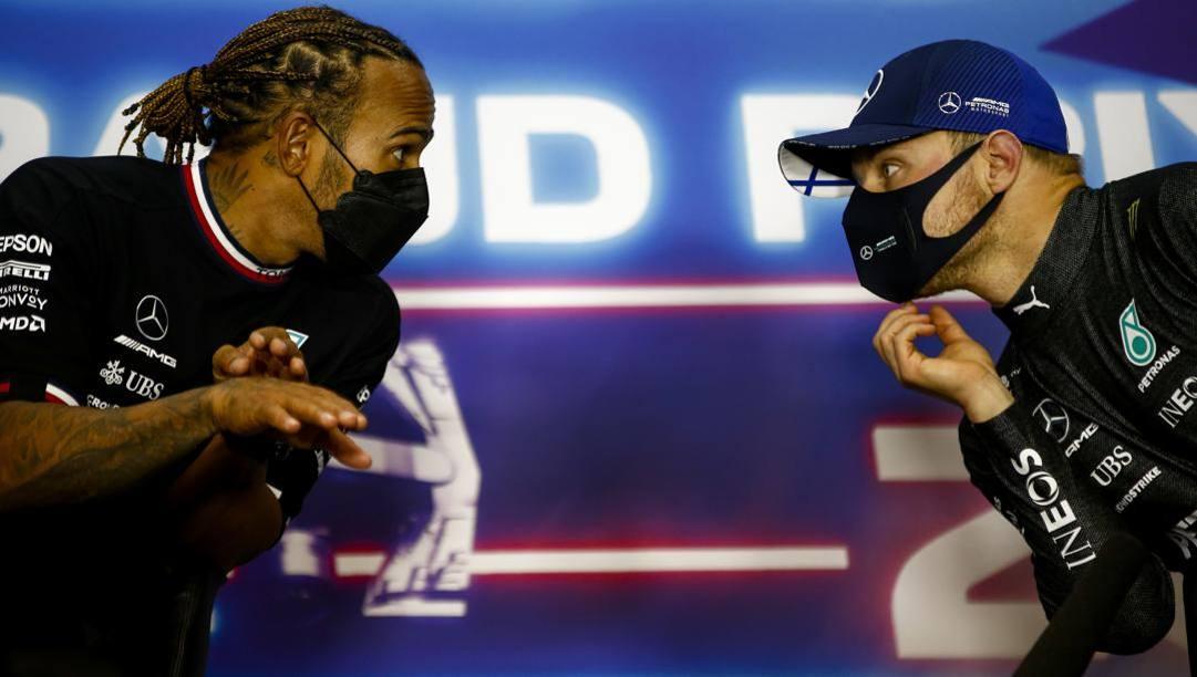 Da sinistra Lewis Hamilton (36 anni) e Max Verstappen (23). Getty
