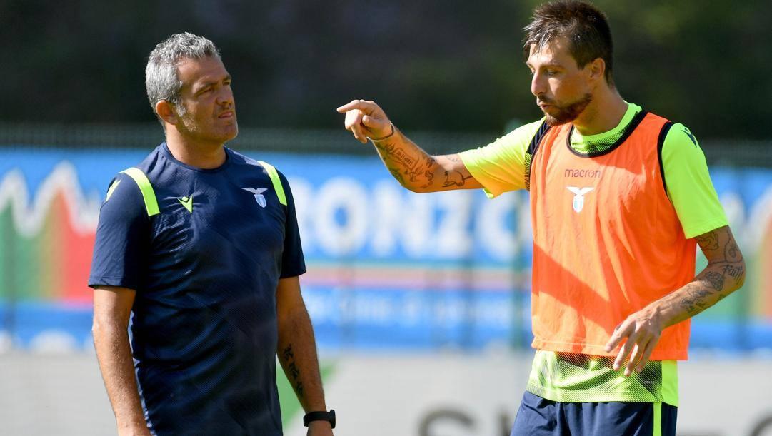 Massimiliano Farris con Acerbi. Getty